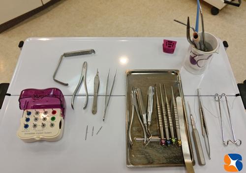 親知らず専用の特殊な抜歯器具